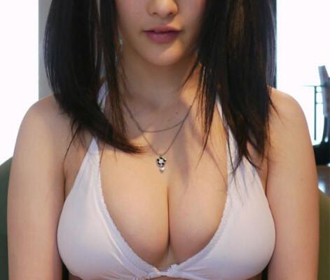 女性_巨乳