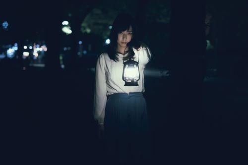 女_ 夜_怖い01