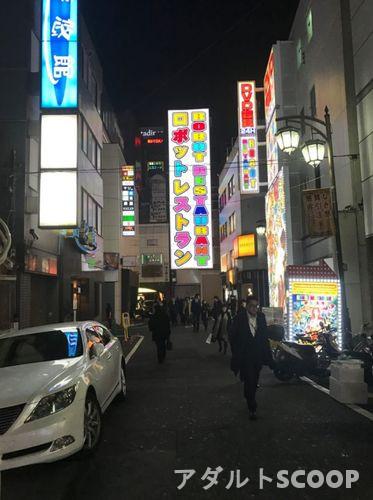 新宿_歌舞伎町_ロボットレストラン